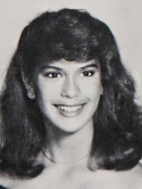 Teri Hatcher High School Photo
