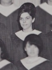 Karen Carpenter 1967 A Capella choir (cropped)